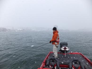 冬の船長琵琶湖ガイドでバス釣り.JPG