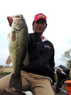 小貝川で直リグ釣れる 1700g 4月15日.JPG