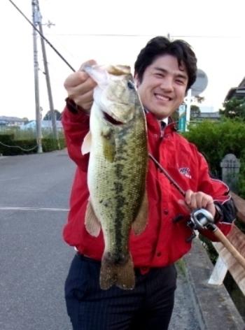 旧吉野川で50UP.jpg