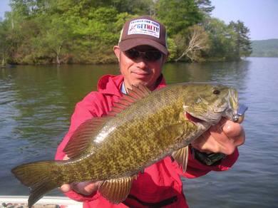 檜原湖で釣れる 5月28日.jpg