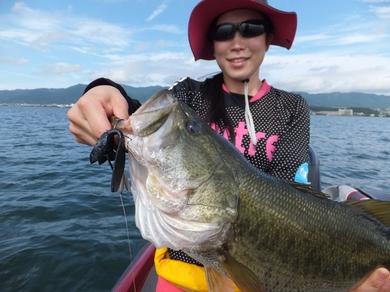 琵琶湖でデカバス.JPG
