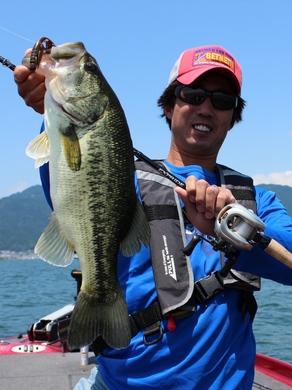 琵琶湖で釣れる.JPG