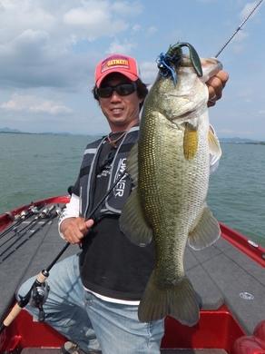 琵琶湖で釣れるラバージグ.JPG