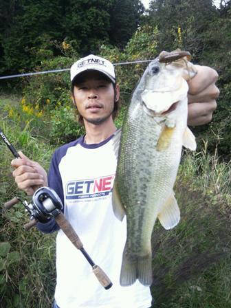 野池でテキサス釣れる.JPG