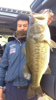 野池で釣れたロクマル 11月10日.jpg