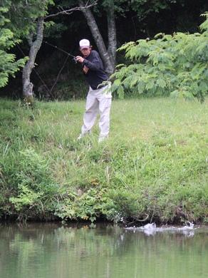 野池で釣れている6月28日.JPG