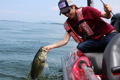6月の琵琶湖で50UP.JPG