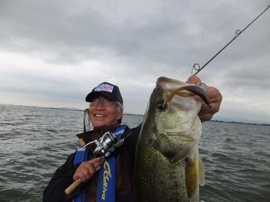 7月の琵琶湖で釣れる.JPG
