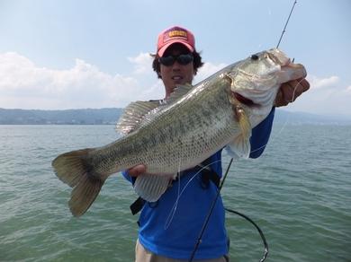 7月の琵琶湖で釣れるリグ 56cm 3.JPG