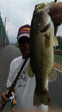 8月14日 琵琶湖水路で50UP.jpg