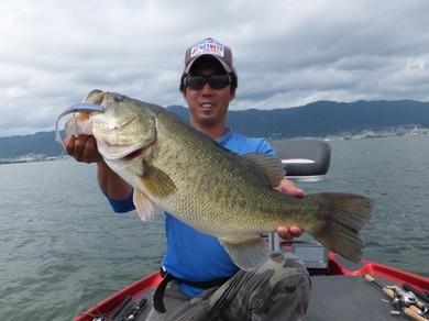 9月の琵琶湖でデカバス.JPG